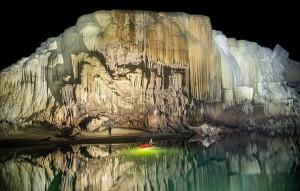 perierga.gr - Εξερεύνηση στην μεγαλύτερη ποτάμια σπηλιά του κόσμου!