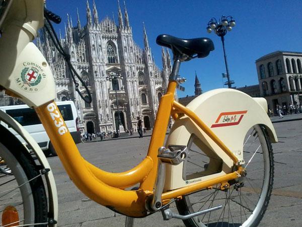 perierga.gr - Το Μιλάνο πληρώνει τους ποδηλάτες!