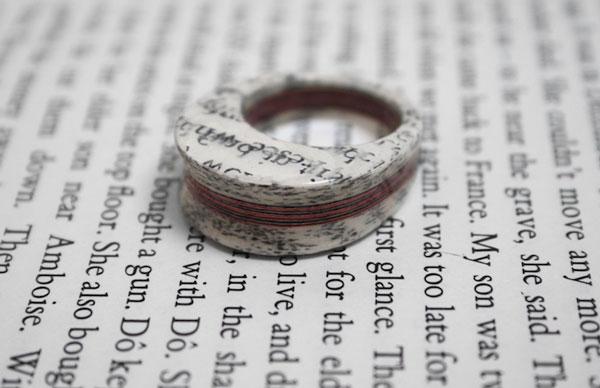 perierga.gr - Σελίδες βιβλίων γίνονται πανέμορφα κοσμήματα!