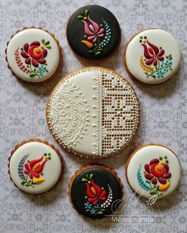 perierga.gr - Διακοσμώντας τα μπισκότα σαν... κεντήματα!