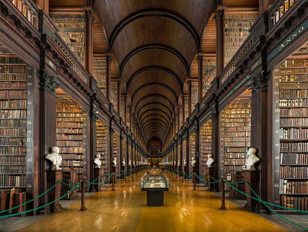 perierga.gr - Η περίφημη βιβλιοθήκη του Δουβλίνου με τα 200.000 βιβλία!