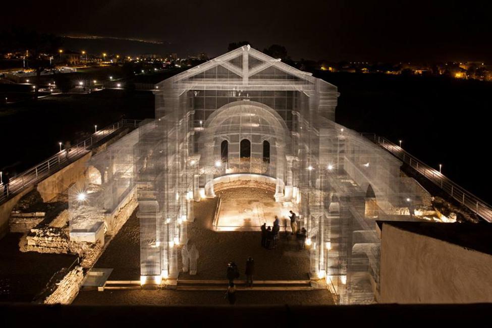 perierga.gr - Εκκλησία-φάντασμα στην Ιταλία!