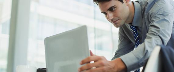 perierga.gr - Πώς ένας άνδρας «εξαφάνισε» την εταιρεία του κατά λάθος με ένα κλικ!
