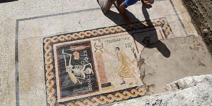 perierga.gr - Απίστευτο αρχαιοελληνικό ψηφιδωτό βρέθηκε στην Τουρκία!