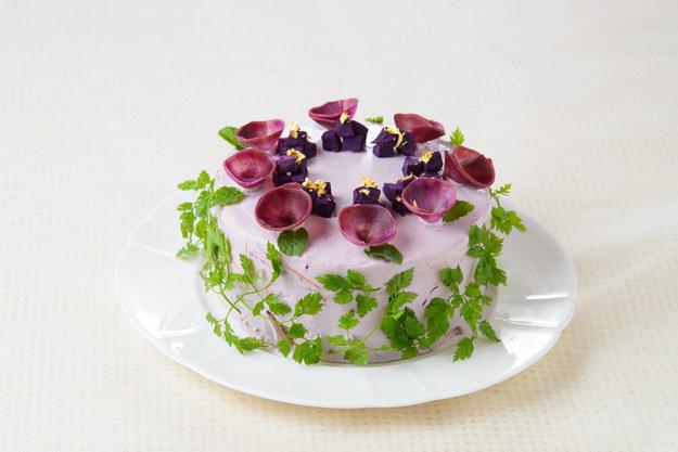 perierga.gr - Λαχταριστές σαλάτες σε μορφή κέικ!