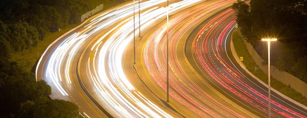 perierga.gr - Δρόμοι φωτίζονται το βράδυ χωρίς ηλεκτρισμό!
