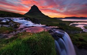 perierga.gr - Ισλανδία: Η χώρα της φωτιάς και του πάγου σε ένα βίντεο!