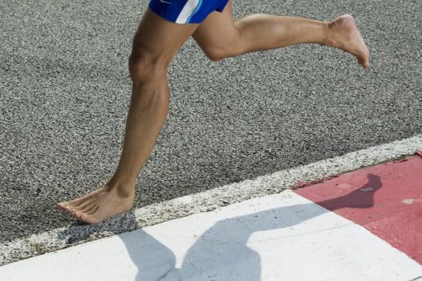 perierga.gr - Τρέξτε ξυπόλητοι για καλή μνήμη!