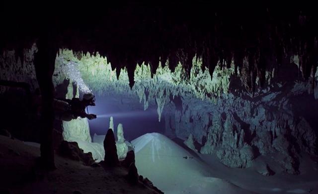 perierga.gr - Κατάδυση στο υποβρύχιο σπήλαιο El Toch στο Μεξικό!