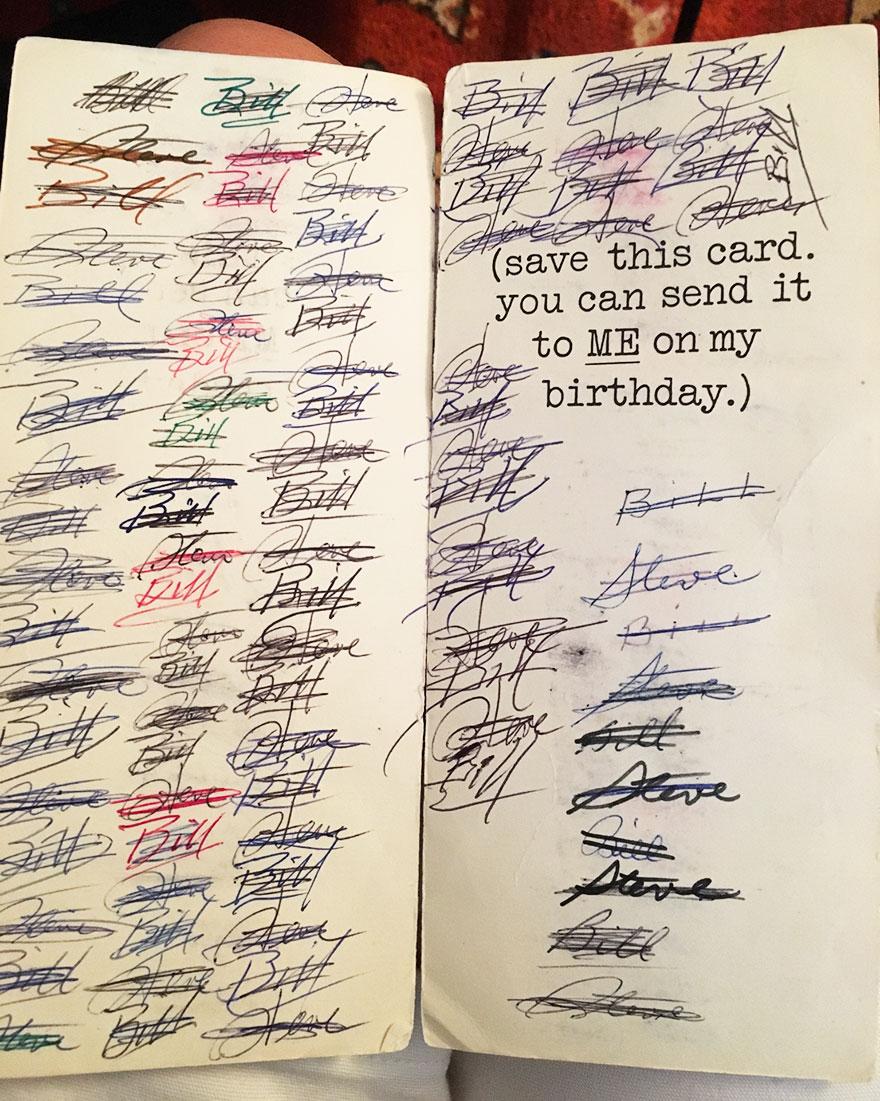 perierga.gr - Ανταλλάσσουν την ίδια κάρτα γενεθλίων... 47 χρόνια!