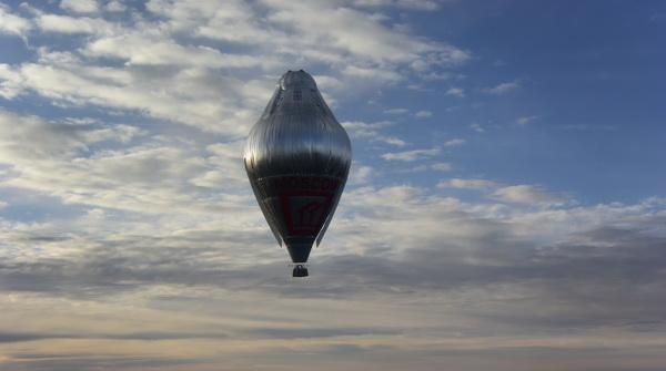 perierga.gr - Ο γύρος του κόσμου με αερόστατο σε χρόνο ρεκόρ!