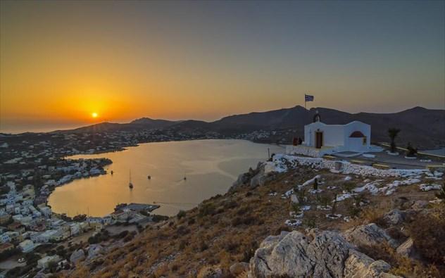 perierga.gr - Υπέροχο ηλιοβασίλεμα στο Αιγαίο!