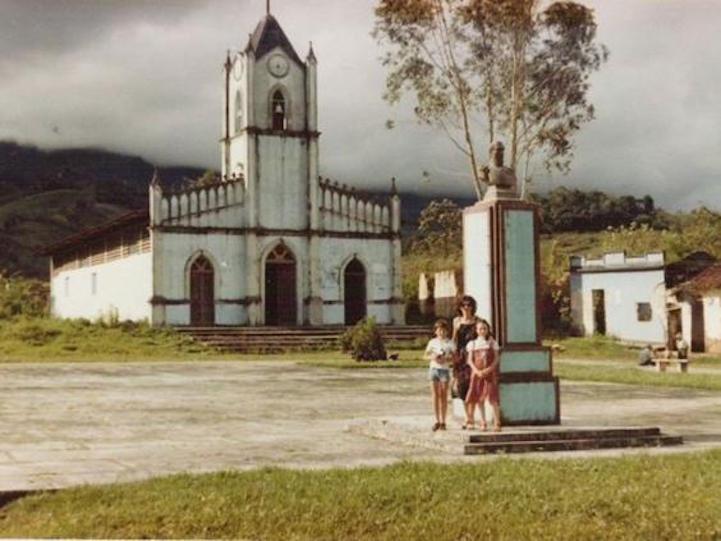 perierga.gr - Εκκλησία αναδύθηκε από το νερό μετά από 30 χρόνια!