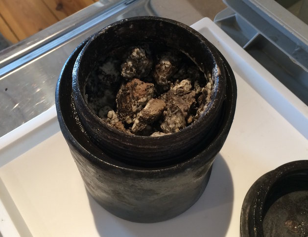 perierga.gr - Ανακαλύφθηκε σε ναυάγιο τυρί 340 ετών!