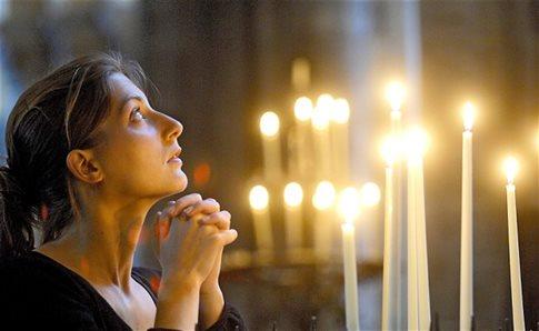 perierga.gr - Ο τακτικός εκκλησιασμός προλαμβάνει την αυτοκτονία