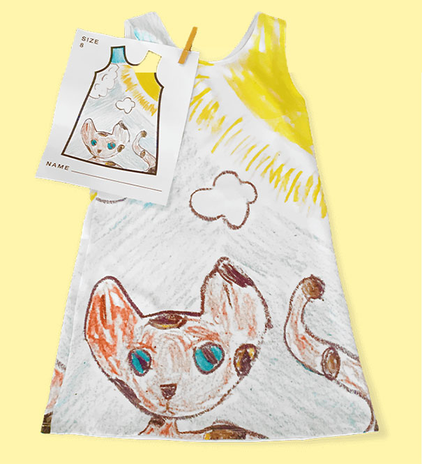 perierga.gr - Παιδιά ζωγραφίζουν τα δικά τους ρούχα!