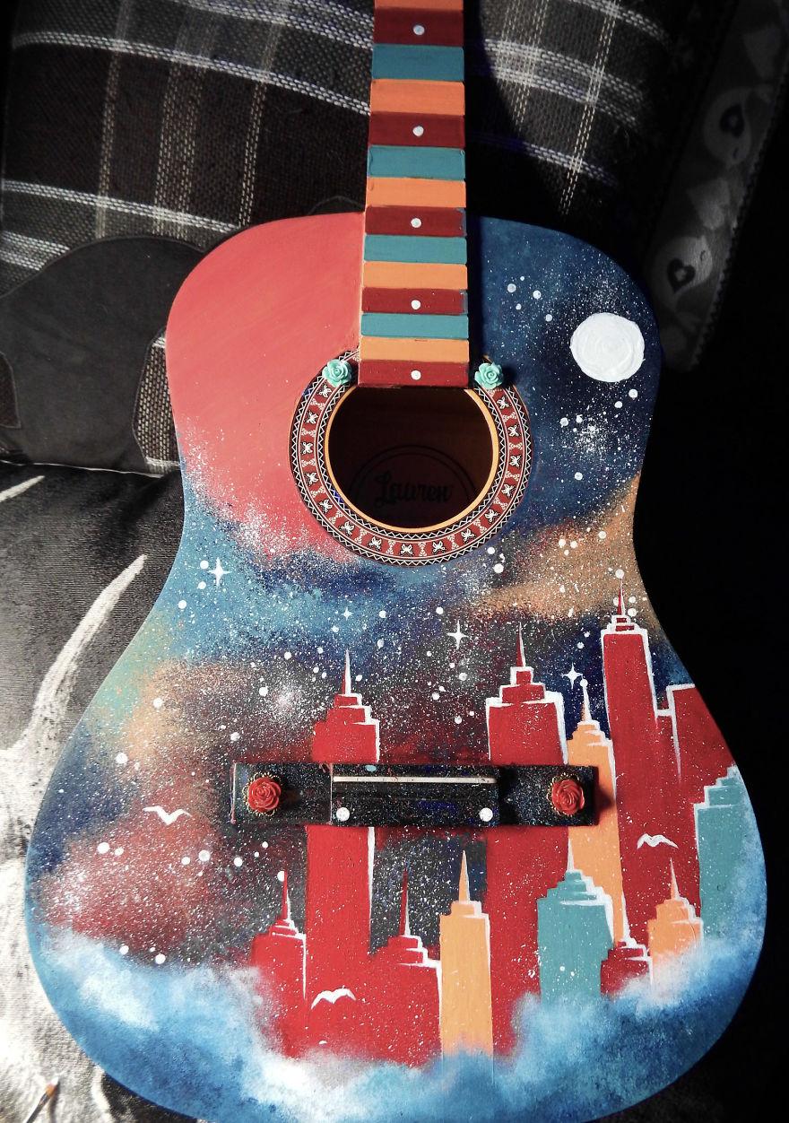 perierga.gr - Όταν οι κιθάρες γίνονται καμβάδες ζωγραφικής!