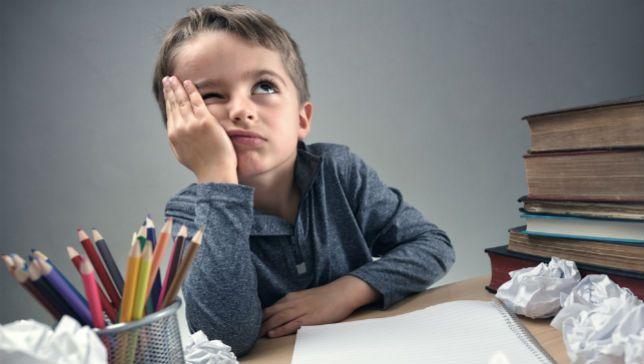 perierga.gr - Πώς προέκυψε η σχολική μελέτη στο σπίτι;