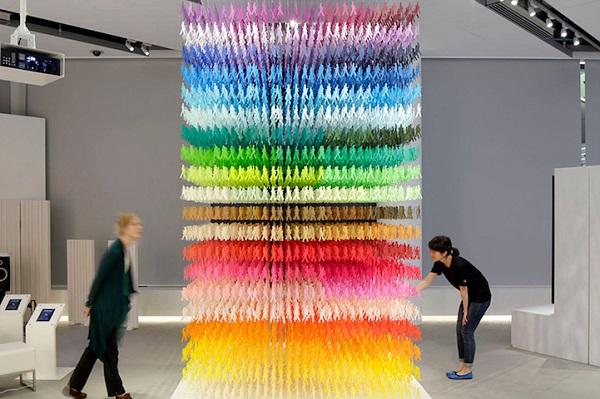 perierga.gr - 18.000 χάρτινες σιλουέτες σε 100 διαφορετικά χρώματα!