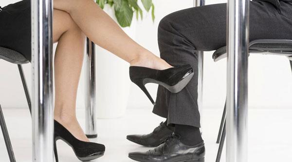 perierga.gr - 9 επαγγέλματα που ευνοούν την... απιστία των γυναικών!