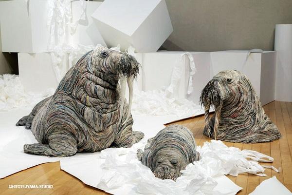 perierga.gr - Δημιουργώντας τεράστια άγρια ζώα με... εφημερίδες!