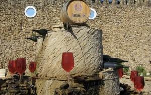 Συντριβάνι... που ρέει κρασί αντί για νερό!