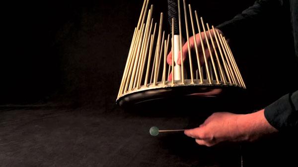 perierga.gr - Το μουσικό όργανο των... θρίλερ!