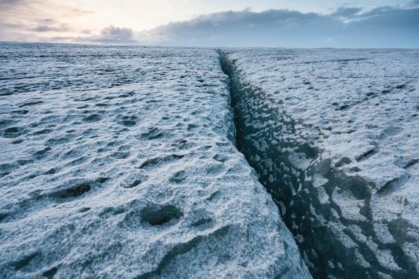 Perierga.gr- Φωτογραφίες από το μεγαλύτερο παγόβουνο της Ευρώπης
