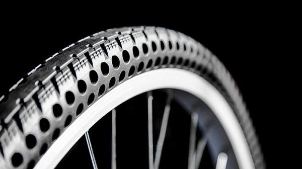 perierga.gr - Νέα λάστιχα ποδηλάτου χωρίς αέρα!