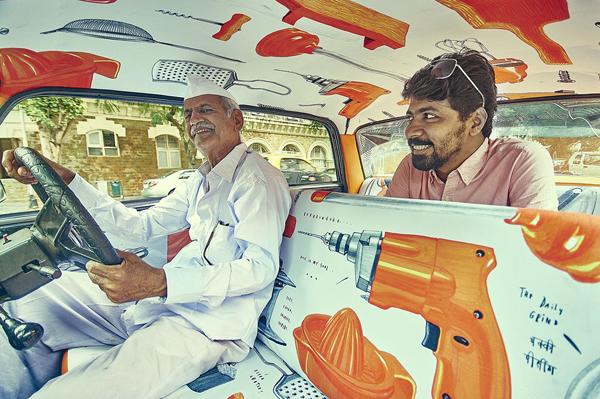 Pereirga.gr-Πολύχρωμα έργα τέχνης στα ταξί της Ινδίας