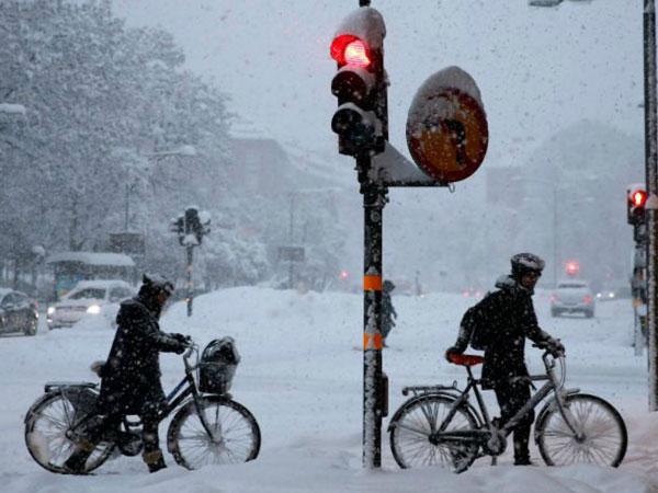 "perierga.gr - Ο πιο ""λευκός"" Νοέμβριος στη Σουηδία!"