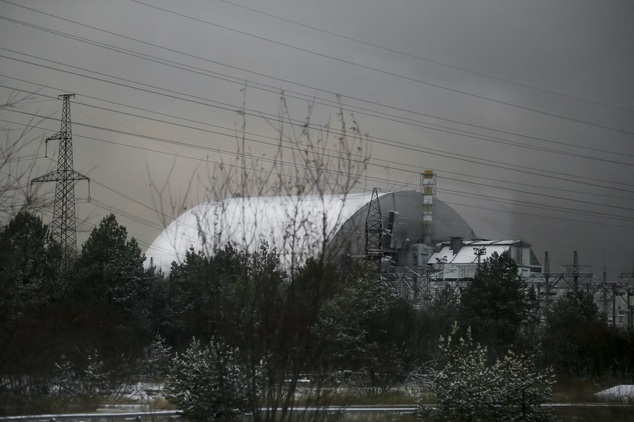 "perierga.gr - Τεράστιος μεταλλικός θόλος ""σφράγισε"" το Τσέρνομπιλ"