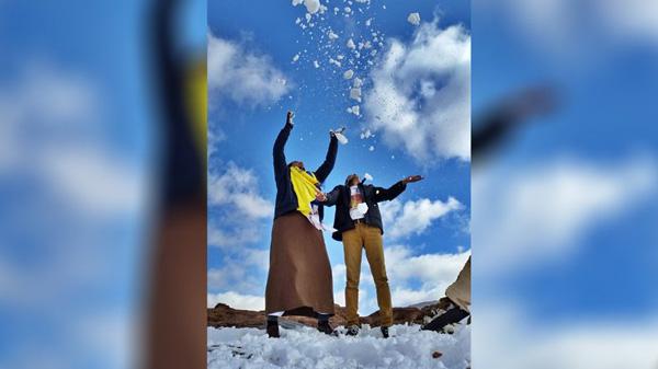 Perierga.gr-Πρωτοφανείς χιονοπτώσεις στη Σαουδική Αραβία