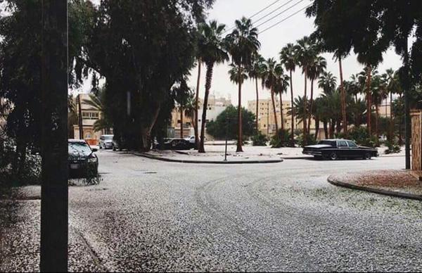 Perierga.gr-Πρωτοφανής χιονοπτώσεις στη Σαουδική Αραβία