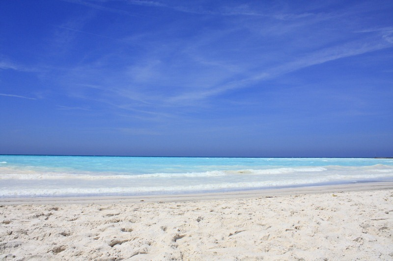 "perierga.gr - H ""απαγορευμένη"" λευκή παραλία της Τοσκάνης"