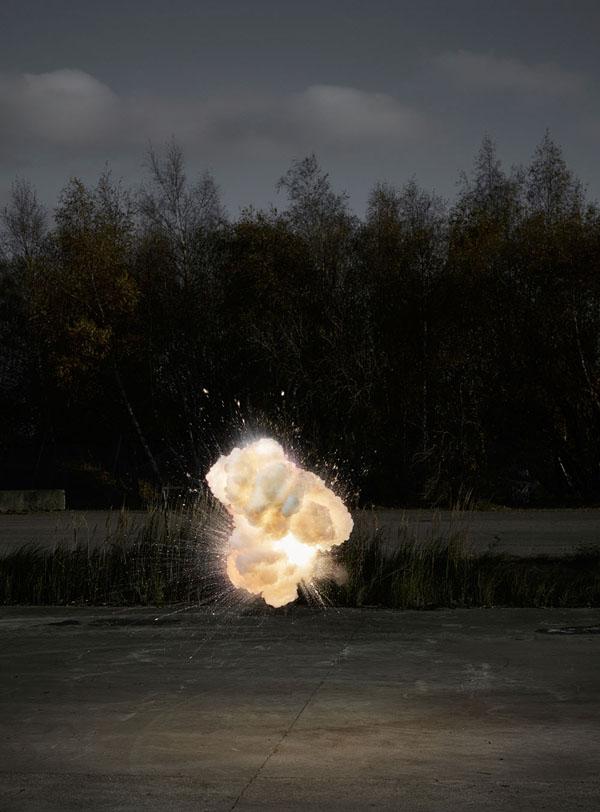 Perierga.gr-Εντυπωσιακές φωτογραφίες τραβηγμένες την στιγμή της έκρηξης
