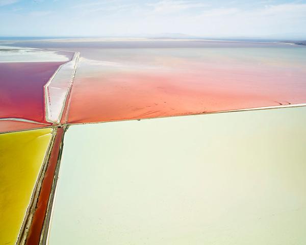 Perierga.gr-Πολύχρωμες φωτογραφίες μοιάζουν με πίνακες αφηρημένης ζωγραφικής