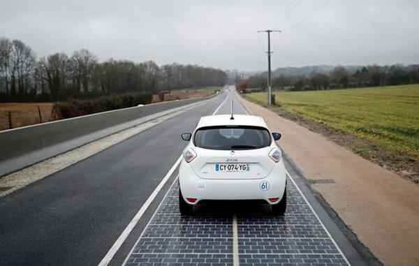 Perierga.gr-O πρώτος φωτοβολταϊκός δρόμος αξίας 5 δισ. ευρώ στη Νορμανδία