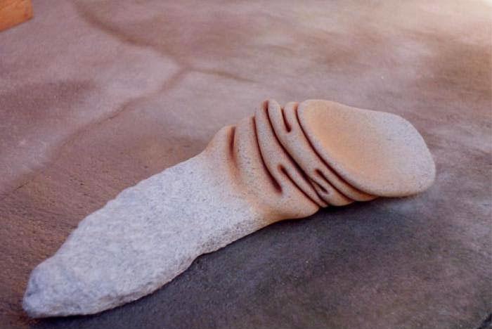 perierga.gr - Καλλιτέχνης κάνει τις πέτρες... εύπλαστες!