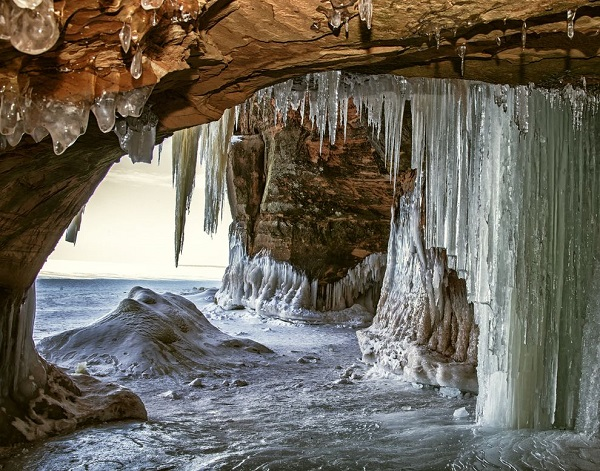 perierga.gr - Eντυπωσιακές σπηλιές πάγου στον κόσμο!