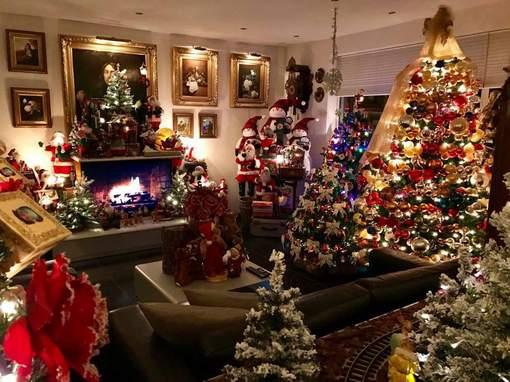 perierga.gr - Χριστουγεννιάτικη οικιακή διακόσμηση διήρκεσε 1 μήνα!