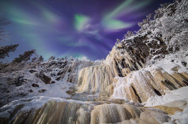 perierga.gr - Φωτογραφίζοντας χειμωνιάτικα τοπία κάτω από το Βόρειο Σέλας