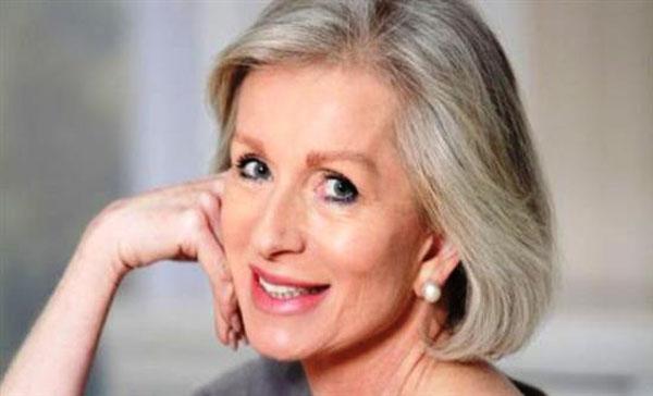 Perierga.gr-Γιατί ασπρίζουν τα μαλλιά μας και ποιοί παράγοντες το επηρεάζουν;
