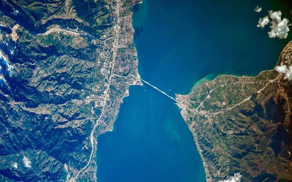 Perierga.gr-Ορατός με γυμνό μάτι από την Ελλάδα το απόγευμα ο διεθνής διαστημικός σταθμός