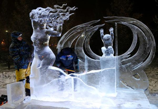 Perierga.gr-Εκπληκτικά γλυπτά από πάγο στη Σιβηρία