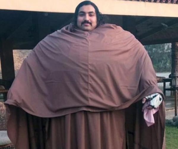 "Perierga.gr-Ο ""Hulk"" του Πακιστάν ζυγίζει 435 κιλά και έχει απίστευτη δύναμη"
