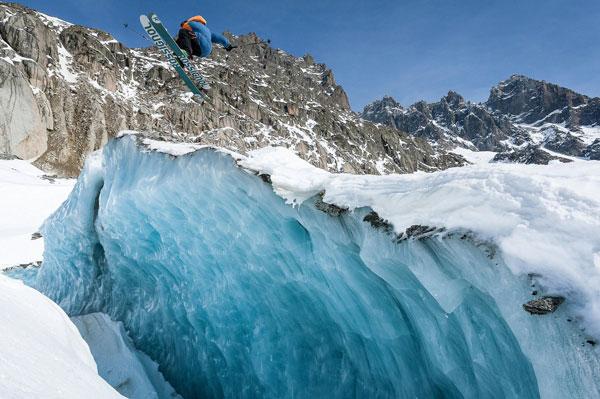 perierga.gr - Κάνοντας σκι στον μεγαλύτερο παγετώνα της Γαλλίας!