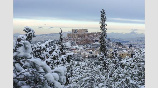 perierga.gr - Πανέμορφη φωτογραφία του χιονισμένου Παρθενώνα