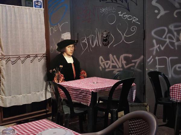 Perierga.gr-Πρόσωπα από την κλασσική ζωγραφική ενσωματώνονται σε σύγχρονα τοπία