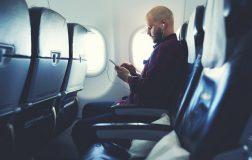 perierga.gr - Γιατί χαμηλώνει ο φωτισμός στο αεροπλάνο πριν την απογείωση και την προσγείωση;